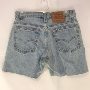 Levi Jean cut off shorts small